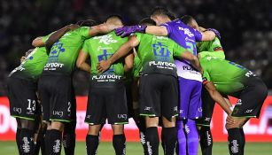 Jugadores de Juárez previo a un partido