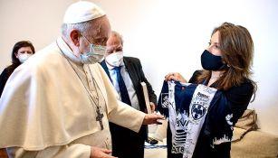 Rayados: Papa Francisco recibió playera de La Pandilla