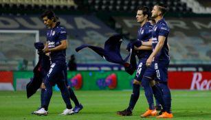 Jugadores de Chivas previo a un partido de Liga MX