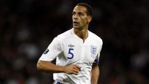 Rio Ferdinand narró vuelo de terror con Inglaterra en 2006: 'Pensé que íbamos a estrellarnos'