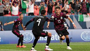 Moreno en festejo con el Tri