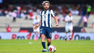 Rodolfo Pizarro jugando