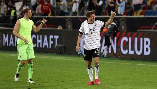 Thomas Müller festeja un gol con Alemania