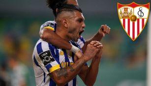 Tecatito en festejo de gol con Porto
