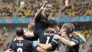 Jugadores de Austria en festejo ante Macedonia del Norte