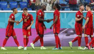 Jugadores de Bélgica ante Rusia