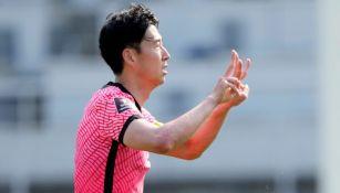 Heung-Min Son dedicando su gol a Eriksen