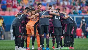 Jugadores de Selección Mexicana previo a un partido