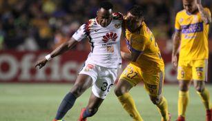 Renato Ibarra en partido con América ante Tigres