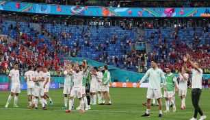 España celebra con su afición en San Petersburgo