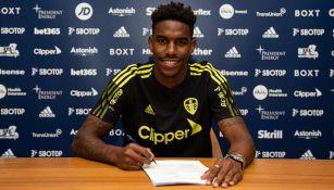 Junior Firpo firma contrato con el Leeds United
