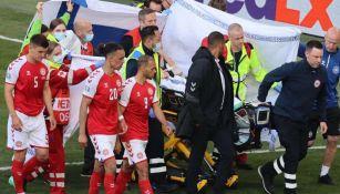 Eriksen y médicos en Eurocopa
