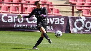 Pamela Tajonar Alonso durante un duelo en España