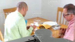 Hermano de AMLO recibiendo dinero