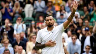 Nick Kyrgios sale en la tercera ronda de Wimbledon