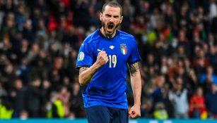 Leonardo Bonucci durante un duelo con Italia