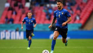 Leonardo Spinazzola en acción con Italia
