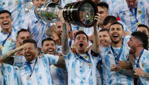 Jugadores de Argentina celebran la conquista de la Copa América