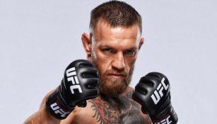 Conor McGregor posa para la UFC