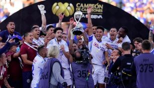 Corona levanta el título de Campeón de Campeones