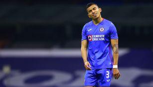 Orbelín Pineda en partido con Cruz Azul