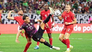Héctor Moreno en partido ante Canadá