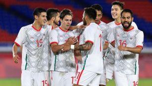 Jugadores de México festejando un gol ante Corea del Sur