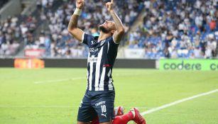 El colombiano Vergara celebrando su primer gol con Rayados