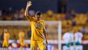 Tigres: Florian Thauvin fue expulsado y abucheado en su debut
