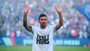 Messi durante presentación en el Parque de los Príncipes con el PSG