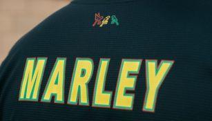 Nuevo jersey del Ajax en honor a Bob Marley