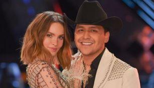 Belinda posa junto a Christian Nodal en La Voz