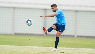 Tecatito Corona durante un entrenamiento con Porto