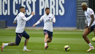 Lionel Messi durante un entrenamiento con el PSG