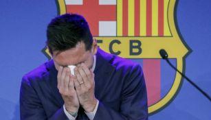 Modelo de Playboy ofrece 600 mil dólares por el pañuelo de la despedida de Messi