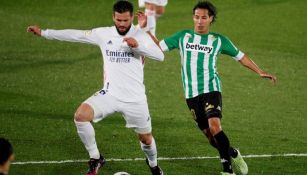Diego Lainez durante un partido con el Betis