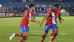 Chuletita Orozco tras anotar gol a favor del Xelajú