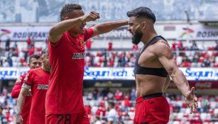 Alexis Canelo festejando su gol ante Pumas