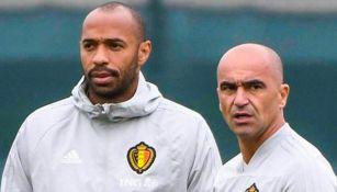Thierry Henry como asistente del técnico Roberto Martínez