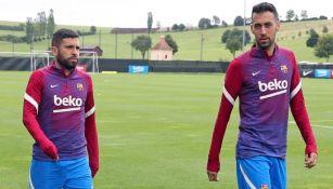 Sergio Busquets y Jordi Alba durante un entrenamiento con Barcelona