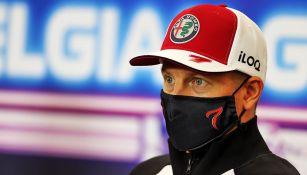 Kimi Raikkonen en una conferencia de prensa
