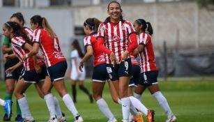 Gabriela Valenzuela en festejo de gol