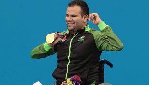 Diego López Díaz posa con la medalla de Oro en los Juegos Paralímpicos de Tokio 2020