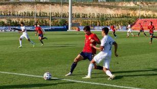 Acciones en juego amistoso entre inferiores de España y México