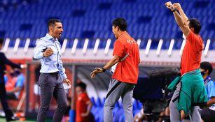 Lozano celebra gol en partido por la medalla de bronce en Tokio 2020