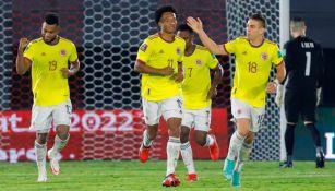 Jugadores colombianos festejando el gol de Juan Cuadrado
