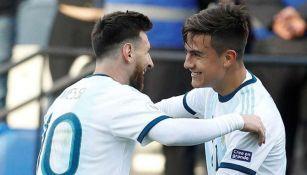 Messi y Dybala en un partido con Argentina