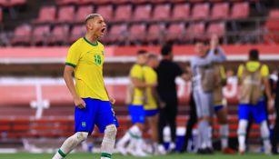 Richarlison durante un partido con Brasil
