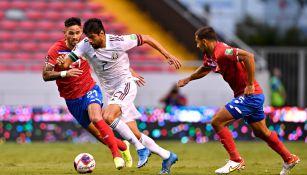 Néstor Araujo en la victoria del Tri ante Costa Rica
