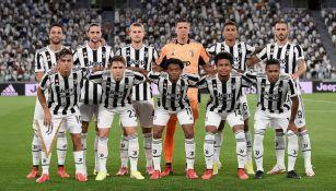 Jugadores de la Juventus previo a un partido de la Serie A